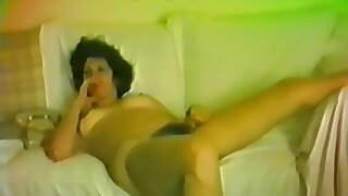 Horny brunette who loves to feel the old cock penetrate her tight pussy!